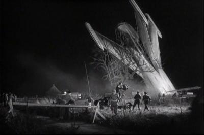 the-quatermass-xperiment-crashed-rocket