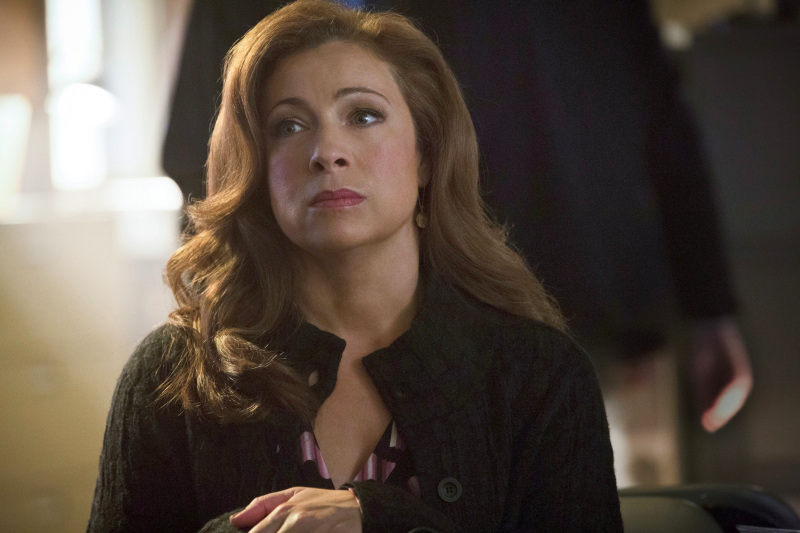 cw-the-arrow-alex-kingston-river-song