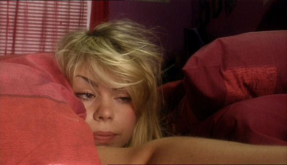doctor-who-2005-rose-tyler-bed