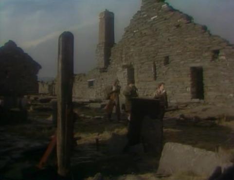BBC-Tripods-episode-12-ruins